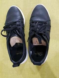Clarks Women Casual Shoes