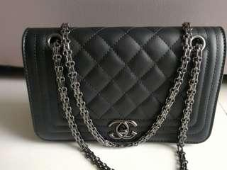 🚚 INSTOCK Quilted Black Chain Sling Bag