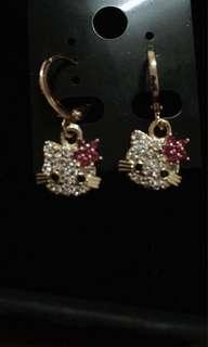 EARING HELLO KITTY