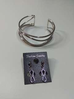 (SET) Dainty silver infinity earrings and bracelet