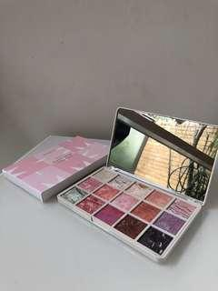 Mecca Beauty Queen eyeshadow palette