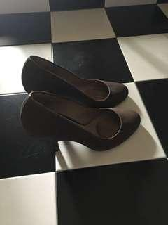 Massimo Dutti Brown Heels (Worn once once)