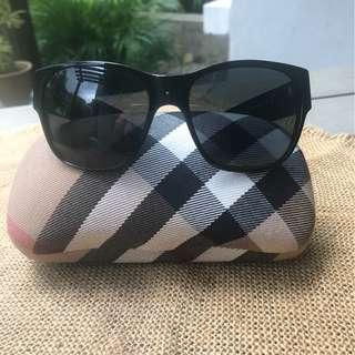 BURBERRY SUNGLASSES inclusive postage with this price only!