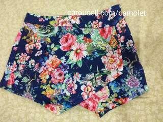 AVENUE Skirt / Skort / Short / Rok Celana / Flowers / Flowery / Motif bunga / Colourful / Celana pendek / Hotpants / Navy Blue