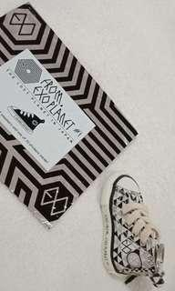 Exo ExoPlanet#1 The Lost Planet in Japan Concert Merchandise Sneakers keyring