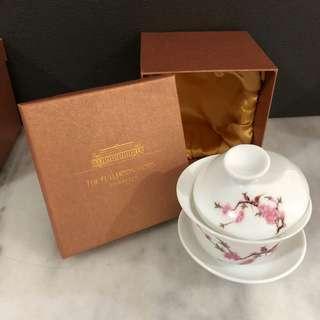 Fullerton Hotel Tea cup set