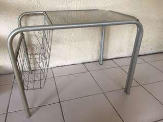 Side table w/ mag rack