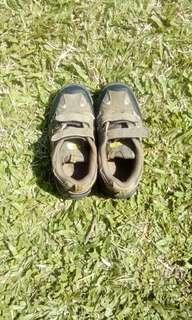 Sepatu anak laki2 prelove