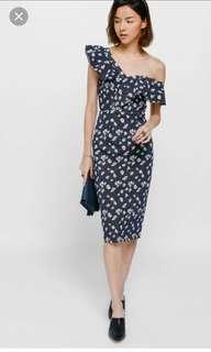 🚚 Love Bonito Yulyn off shoulder floral midi dress