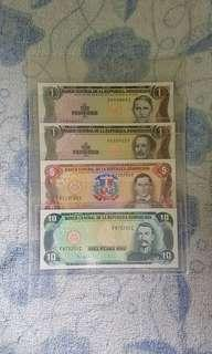 Dominican republic banknotes