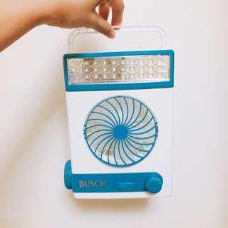 Busch 太陽能充電檯燈扇