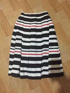 Apartment eight skirt