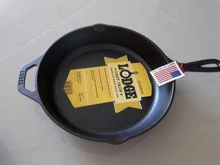 """authentic Lodge cast iron skillet 10.25"""" Made in USA"""