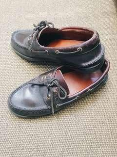 Sperry boath shoes