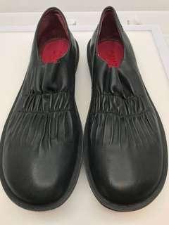 Camper  超輕舒適皮鞋