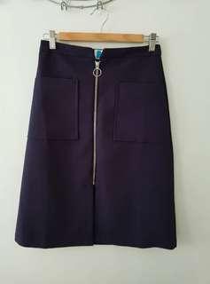 Bench Front Zipper Skirt