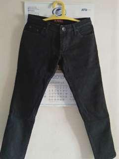 celana jeans AKO hitam