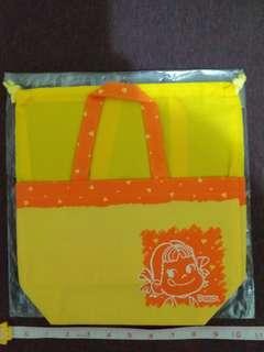 全新 不二家 Fujiya 牛奶妹 peko 橙黃免 索繩 手挽 飯袋 多用途袋