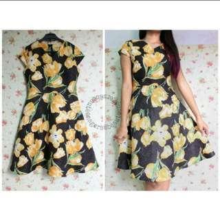 Flower dress yellow black