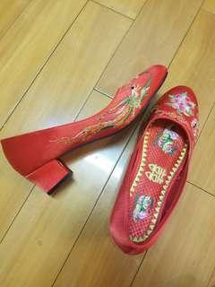 結婚出門 兩吋高 褂鞋 中式婚禮褂鞋 37號 chinese wedding shoes size 37 跟埋靚靚鞋墊
