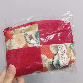 日本製 紅色絹面化妝袋