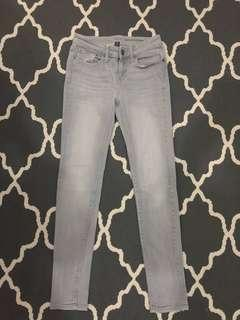 Gap Skinny Jeans in Washed Grey (Size 0 or Waist 26)