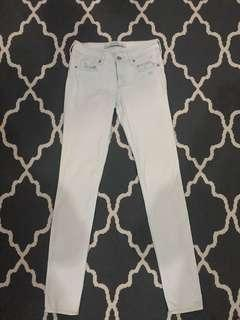 "Abercrombie & Fitch Skinny Jeans in Light Denim (Size 0 or Waist 25-26"")"