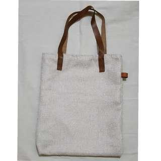 Tote bag with leather handle