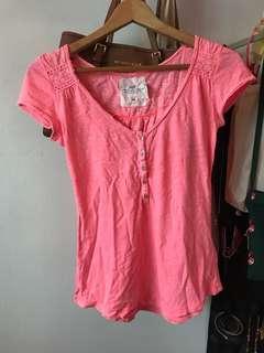 🚚 BN H&M neon pink top