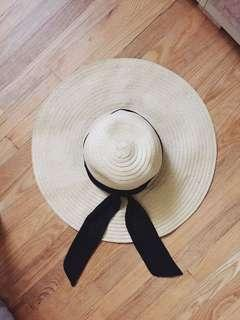 Straw Floppy Hat 👒