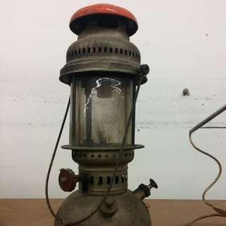 Antique Coleman Kerosine Lamp Lantern