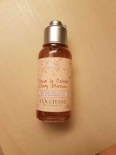 Free mail BN loccitane l'occitane shower gel
