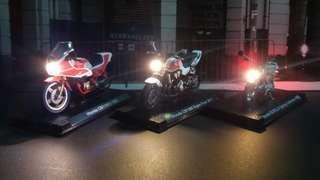 1:24 HONDA 電單車模型 已追加Led搖控開関車頭燈,每架$280