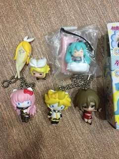Miku hatsune figures keychains phone plug