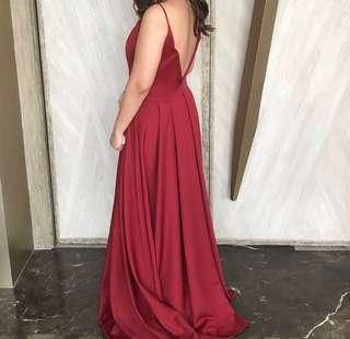 apartment 8 model: nikea gown size: Medium 💗❤️🙏🏻🙏🏻 worn once only! 100% condition. HURRY...