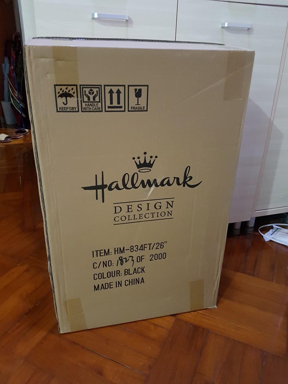全新 有3年保用 Hallmark 26吋行李箱