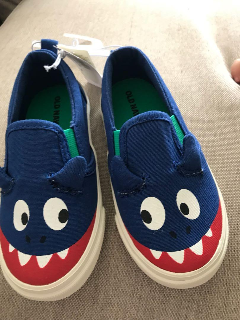 old Navy Boy sneakers shoes Sz 7
