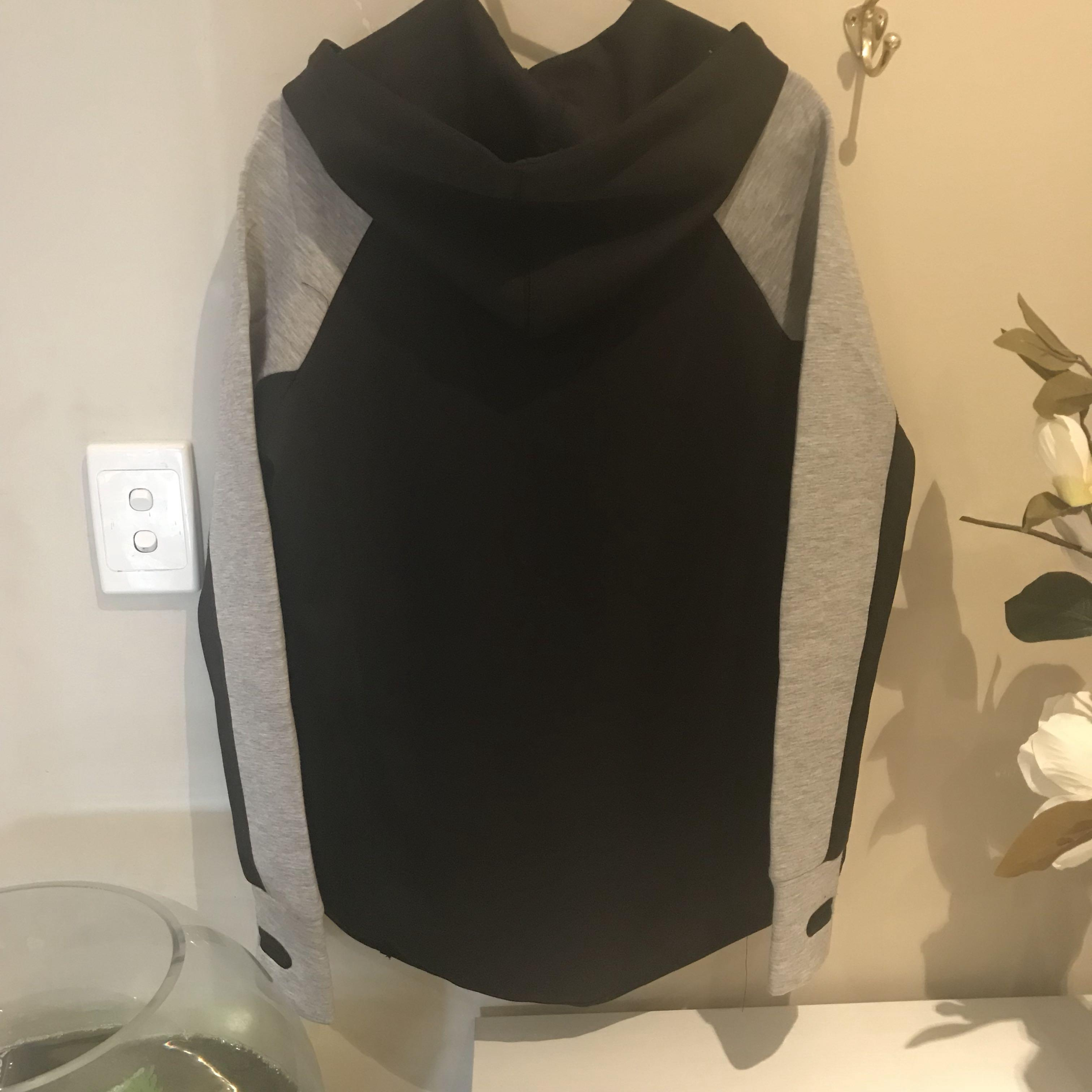 Cotton on body grey and black jumper sz xs