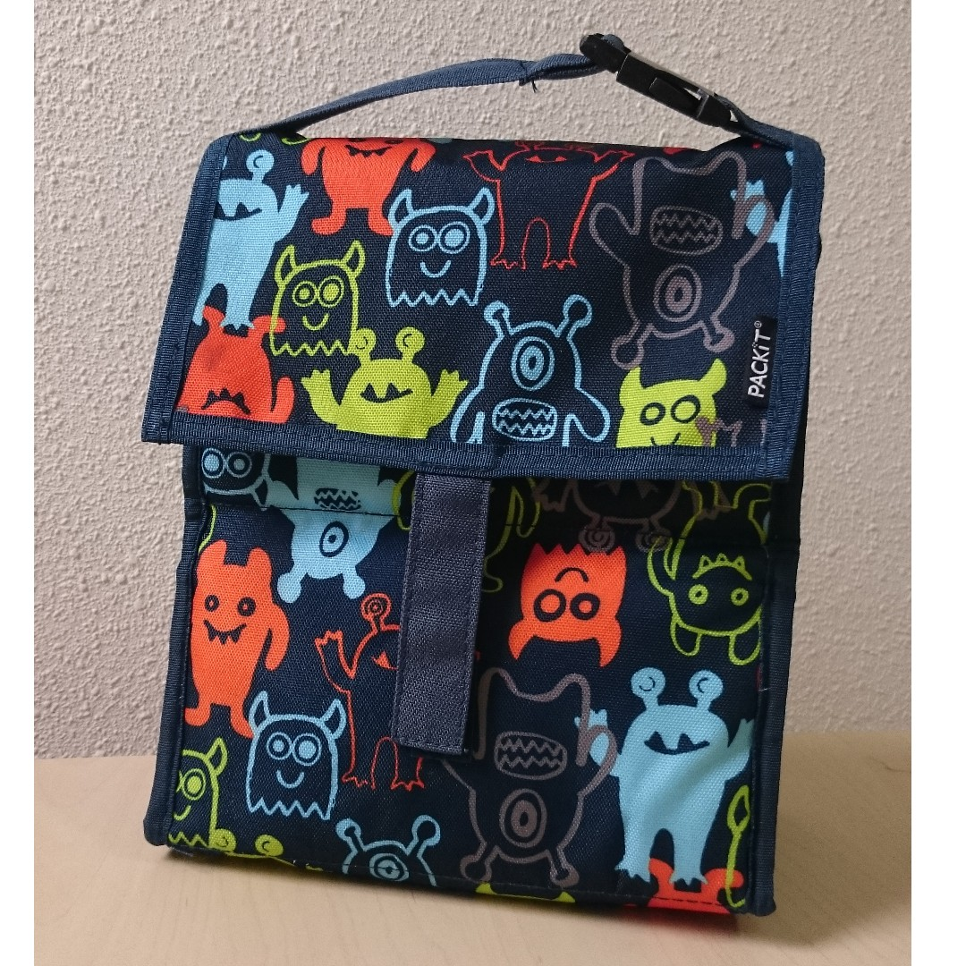 Durable and handy chiller bag from Tokyu Hands Japan - H25 x L21 x W11cm