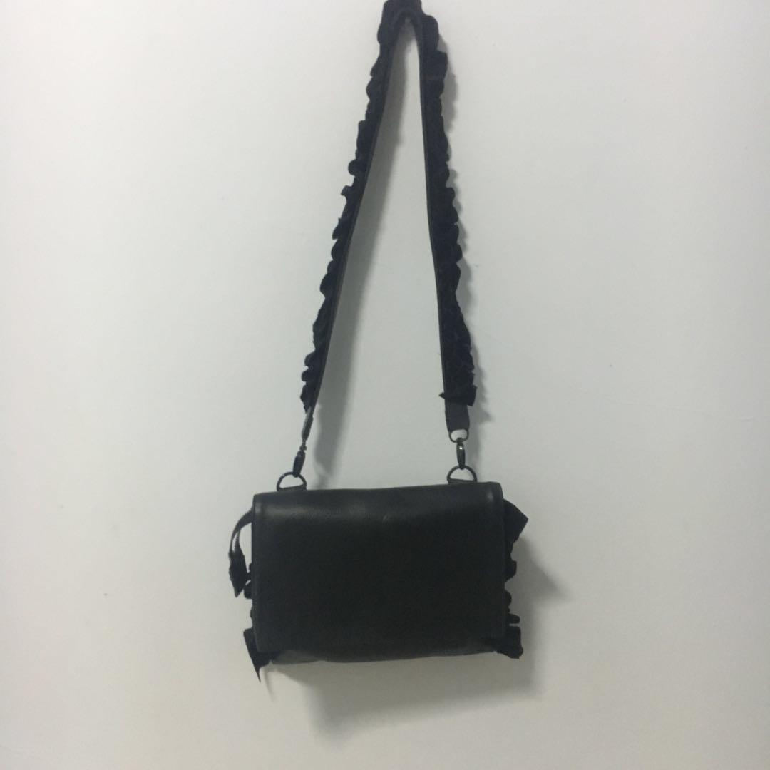 Mannequin Plastic Black Bag with Ruffled Strap