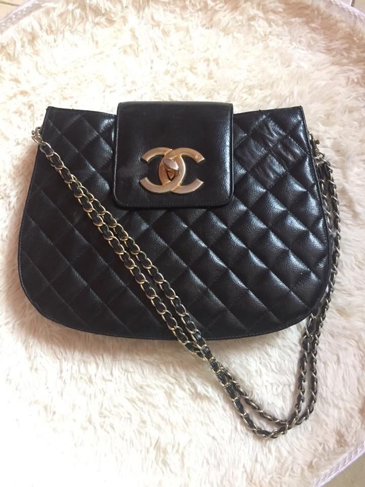 eb18999d767a Vintage Authentic Chanel Bag