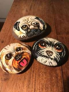 🚚 Hand painted pebbles