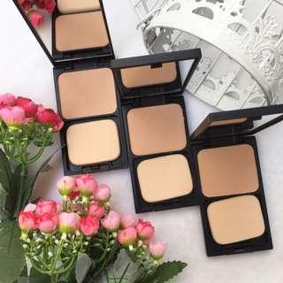 GRATIS Compact Foundation