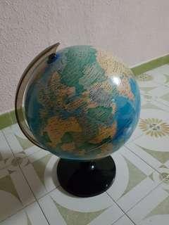 🚚 World Globe