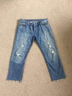 Distressed Cropped Levi 501's