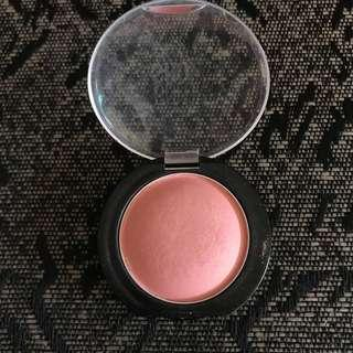 Blush on maybelline wooden rose