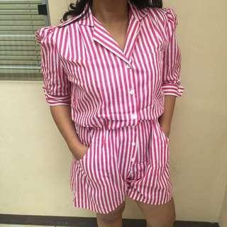 overall pink garis