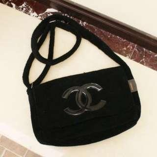 Instock! CHANEL Fur Flap Cover Crossbody Messenger Sling Bag (Black with Black Logo) PO111700203 *GWP* + FREE Post!