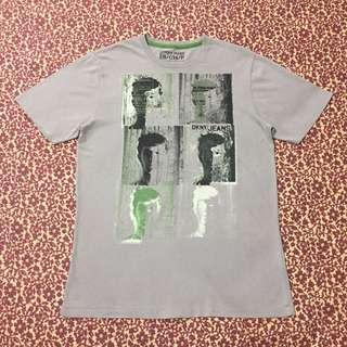 DKNY T-Shirt (Authentic) (Small-Medium)