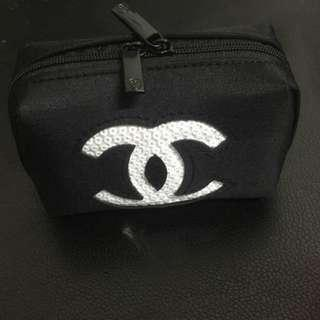 Instock! Chanel Makeup Sequin Pouch (BLACK with White Logo - Medium) *GWP* PO111700208 + FREE Post (1)